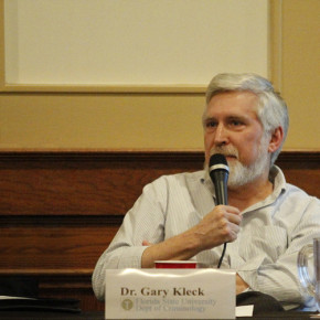 Gary Kleck podsumowuje badania z zakresu defensywnego użycia broni
