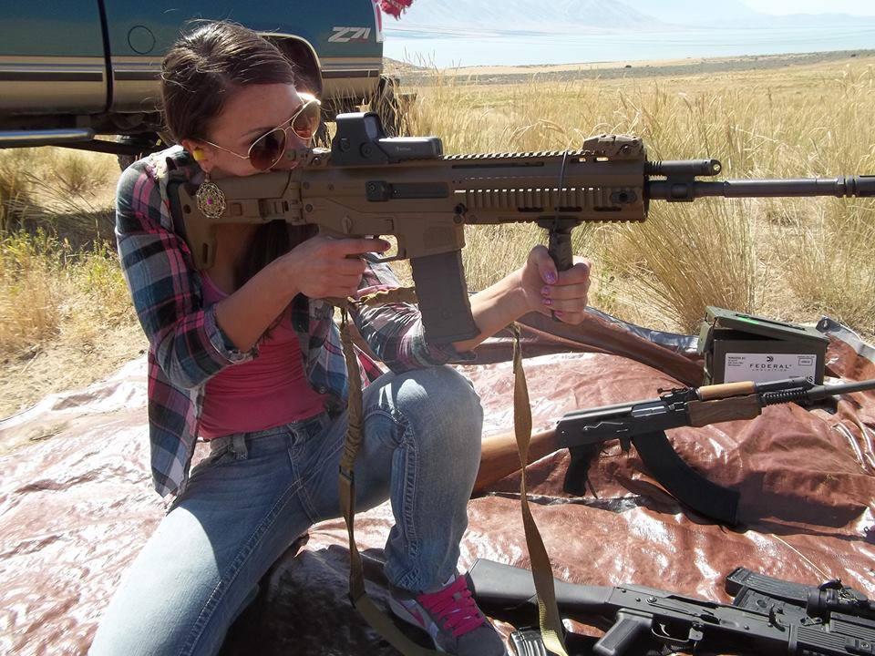 girl_guns24