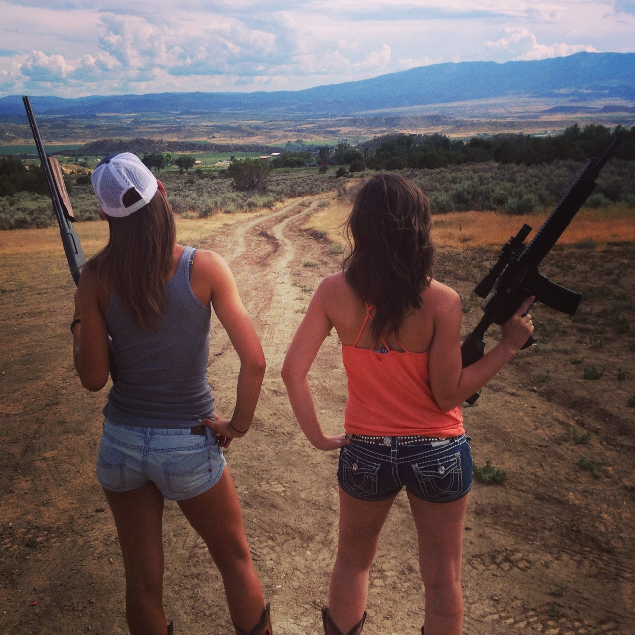 two_girls_two_guns