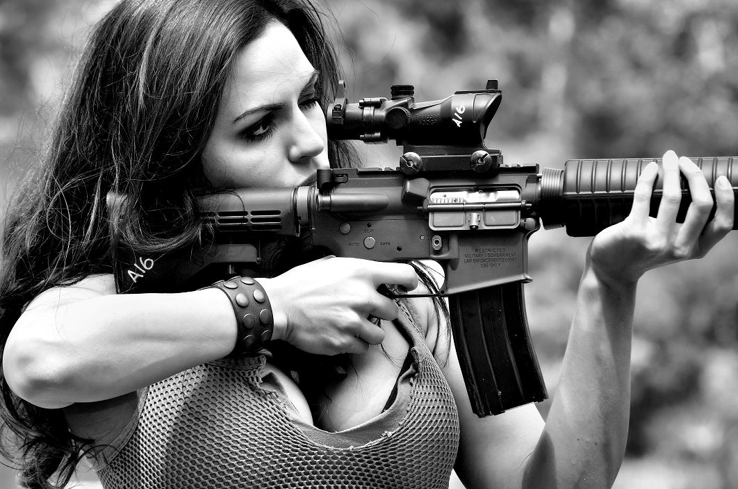 woman_gun5