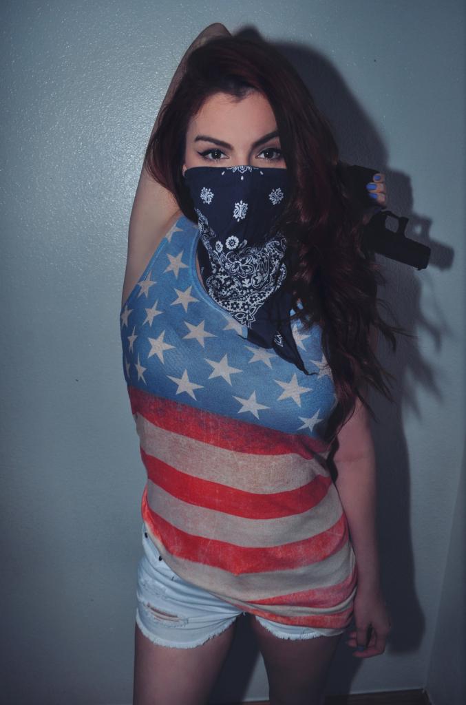 woman_gun_murica