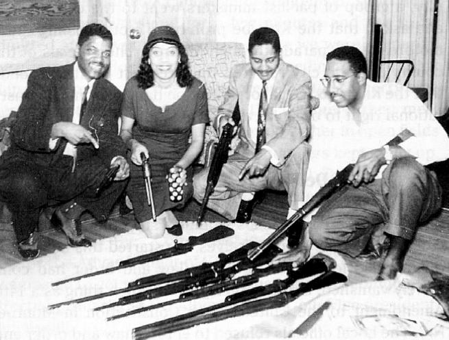 blacks_guns